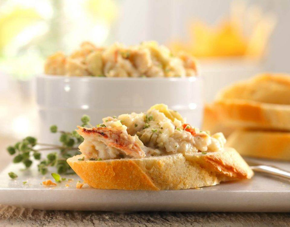 Crab & Artichoke Dip on Bread